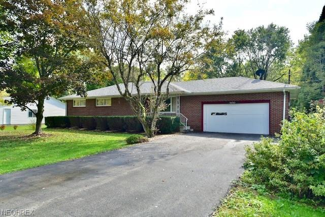 5650 Breezewood Dr SE, Brookfield, OH 44403 (MLS #4043736) :: RE/MAX Valley Real Estate