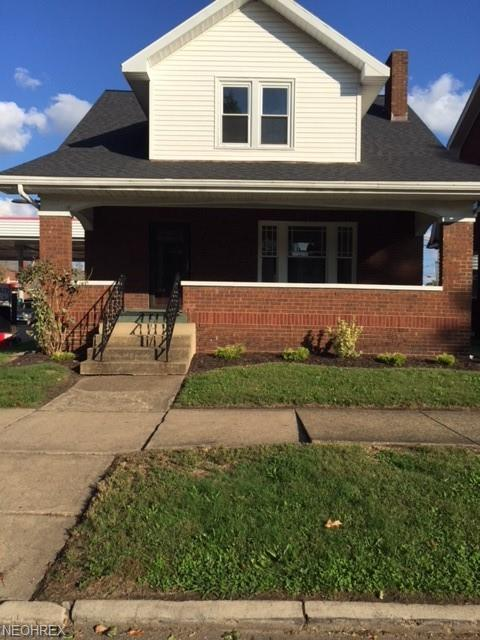 111 3rd St SW, New Philadelphia, OH 44663 (MLS #4044161) :: RE/MAX Edge Realty