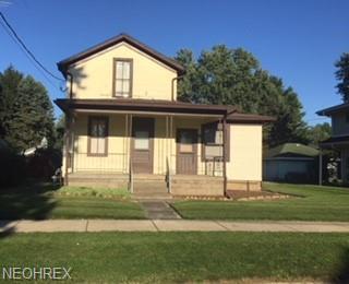 426 8th St NE, Massillon, OH 44646 (MLS #4044394) :: RE/MAX Edge Realty