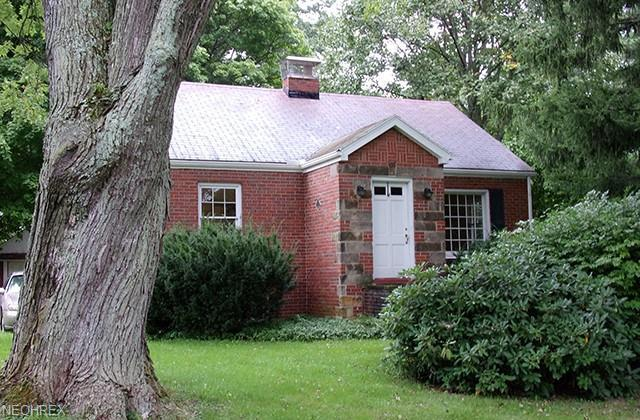 2889 Ridgewood Rd, Fairlawn, OH 44333 (MLS #4044725) :: RE/MAX Trends Realty