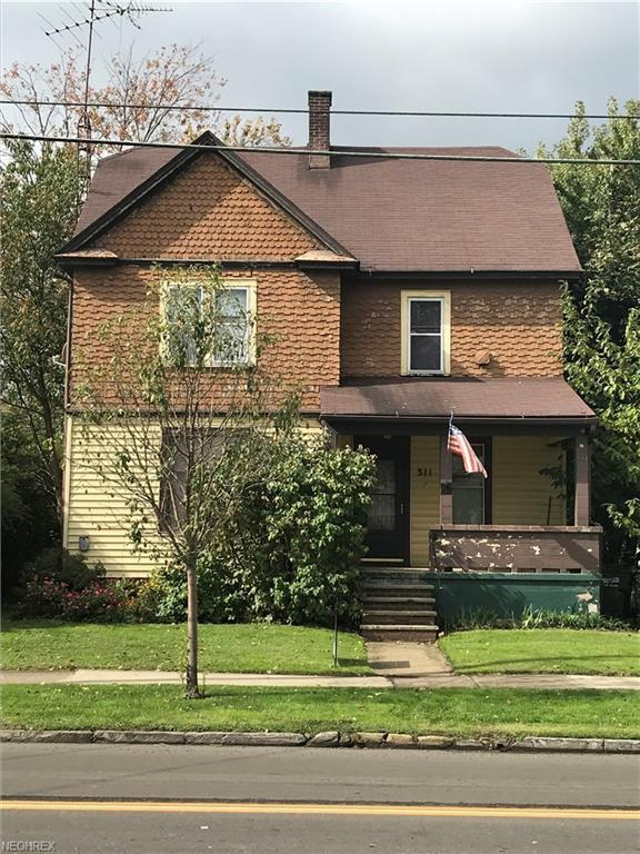 311 S Main St, Orrville, OH 44667 (MLS #4045386) :: RE/MAX Edge Realty