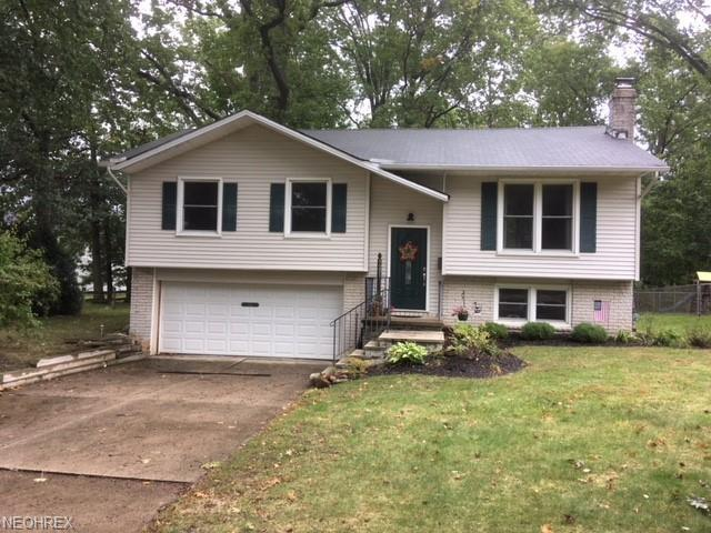 5291 Hickory Ln, Willoughby, OH 44094 (MLS #4045651) :: The Crockett Team, Howard Hanna