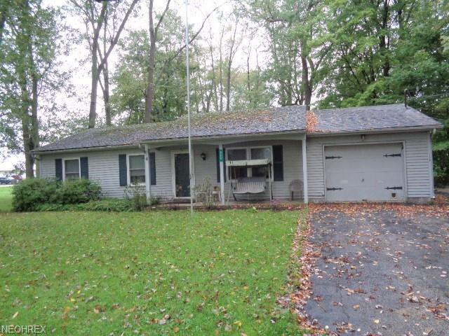 225 Cleveland Ave, Andover, OH 44003 (MLS #4045743) :: RE/MAX Edge Realty