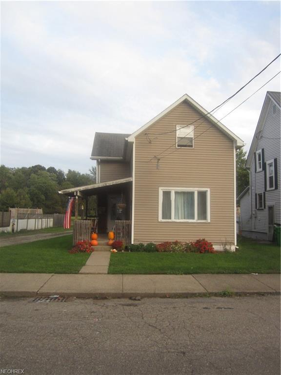 277 Packer St, Uhrichsville, OH 44683 (MLS #4046059) :: RE/MAX Edge Realty