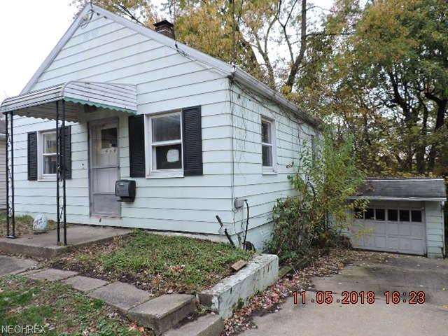 444 Gibbs Rd, Akron, OH 44312 (MLS #4050209) :: RE/MAX Trends Realty