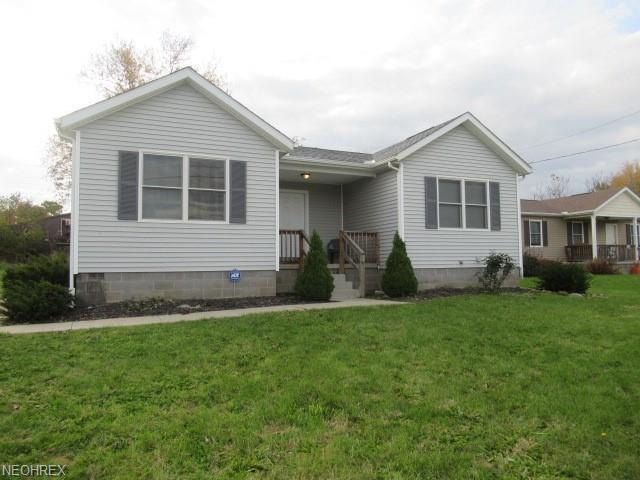 1215 4th St SW, Massillon, OH 44647 (MLS #4051097) :: RE/MAX Trends Realty