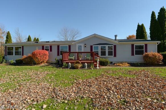10037 Homestead Rd, Wadsworth, OH 44281 (MLS #4051249) :: Keller Williams Chervenic Realty