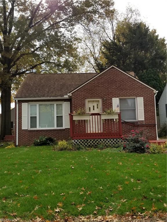3006 19th St NW, Canton, OH 44708 (MLS #4052181) :: The Kaszyca Team