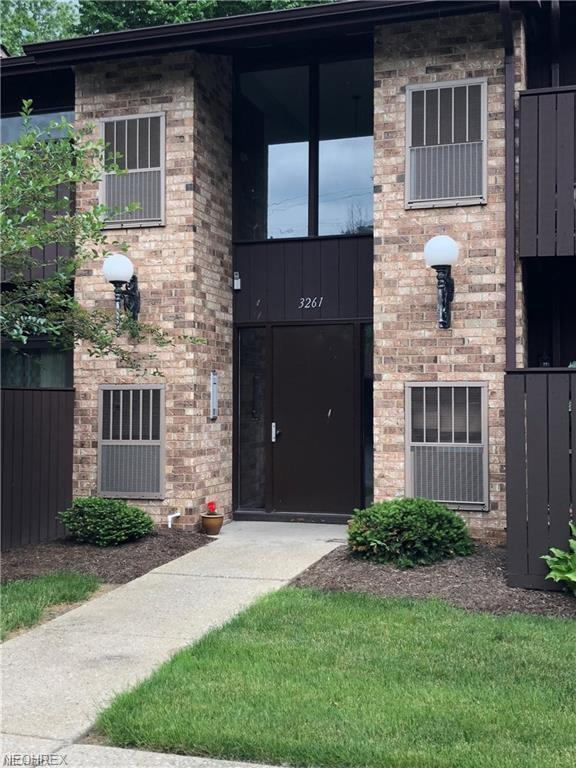 3261 Mayfield Rd, Cleveland Heights, OH 44118 (MLS #4052285) :: RE/MAX Trends Realty