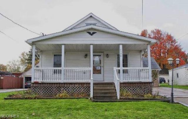 1176 Benton St, Barberton, OH 44203 (MLS #4052400) :: RE/MAX Edge Realty
