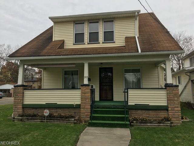 1507 Homewood Ave SE, Warren, OH 44483 (MLS #4052544) :: The Crockett Team, Howard Hanna