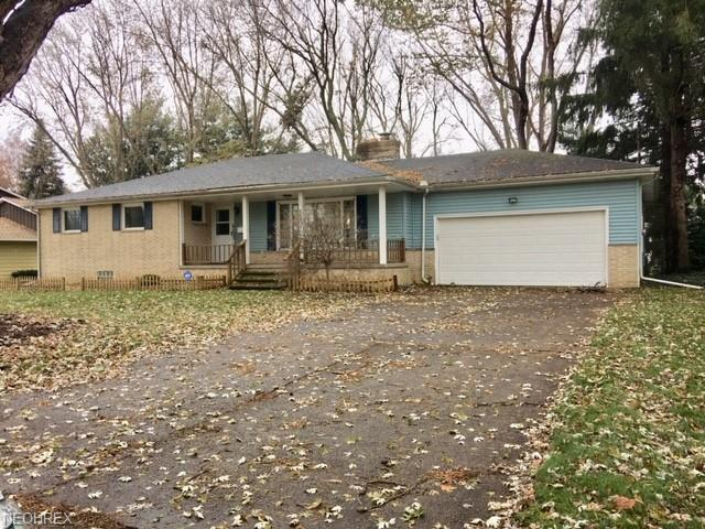 630 Van Oaks Dr, Amherst, OH 44001 (MLS #4053778) :: RE/MAX Valley Real Estate