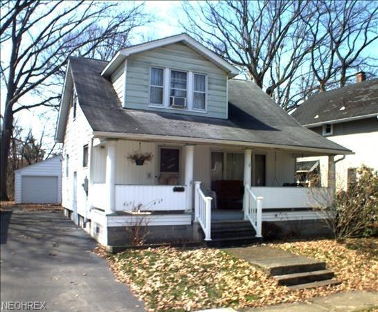 800 Glenwood St NE, Warren, OH 44483 (MLS #4053995) :: Tammy Grogan and Associates at Cutler Real Estate