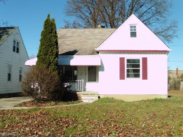 14311 Krems Ave, Maple Heights, OH 44137 (MLS #4056869) :: RE/MAX Edge Realty