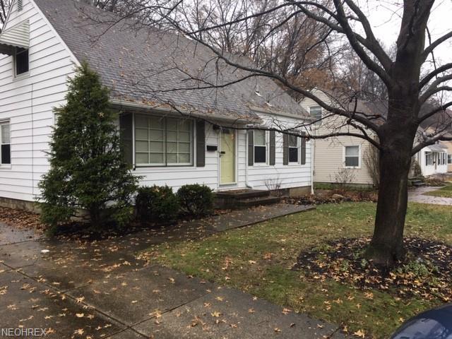 3061 8th St, Cuyahoga Falls, OH 44221 (MLS #4057145) :: The Crockett Team, Howard Hanna