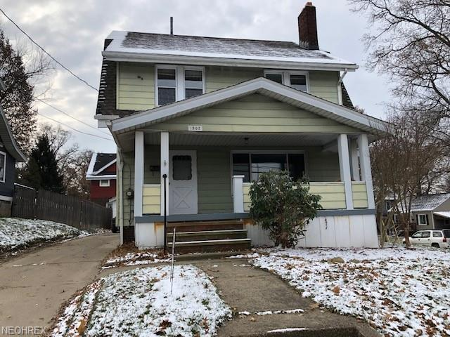 1502 Newton St, Akron, OH 44305 (MLS #4057302) :: The Crockett Team, Howard Hanna