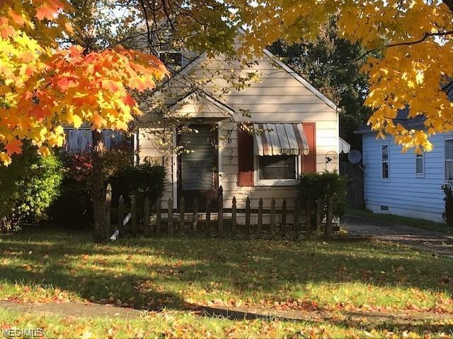 868 Cambridge Ave, Youngstown, OH 44502 (MLS #4058368) :: Tammy Grogan and Associates at Cutler Real Estate