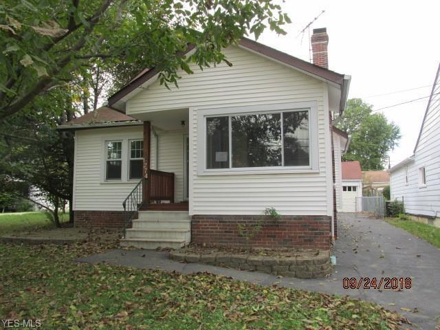 1274 Lander Rd, Mayfield Heights, OH 44124 (MLS #4058535) :: The Crockett Team, Howard Hanna
