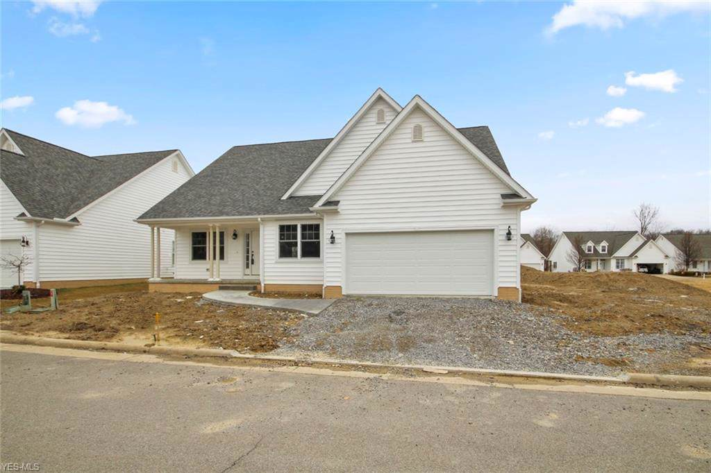 40 Saybrook Dr, Canfield, OH 44406 (MLS #4058611) :: RE/MAX Valley Real Estate