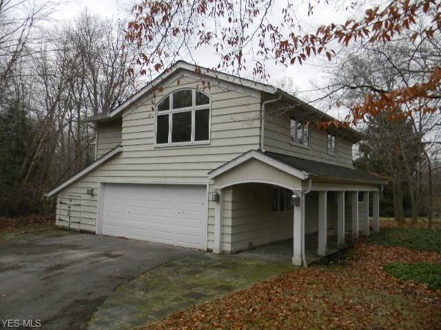 32845 Creekside Dr, Pepper Pike, OH 44124 (MLS #4058913) :: The Crockett Team, Howard Hanna