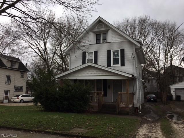 228 Oakdale Ave, Akron, OH 44302 (MLS #4059102) :: The Crockett Team, Howard Hanna