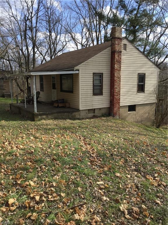 711 Center Rd, East Liverpool, OH 43920 (MLS #4061916) :: RE/MAX Edge Realty