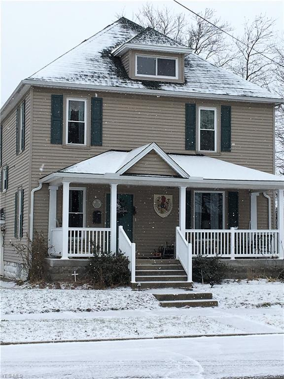 121 E 8th St, Dover, OH 44622 (MLS #4062722) :: RE/MAX Edge Realty