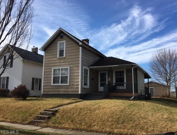 128 9th St SW, New Philadelphia, OH 44663 (MLS #4062860) :: RE/MAX Edge Realty