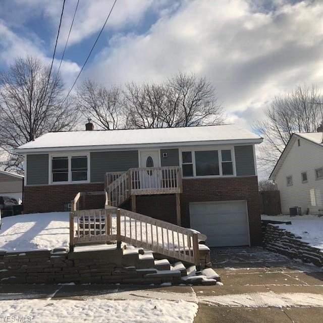 551 Hillman Rd, Akron, OH 44312 (MLS #4062967) :: RE/MAX Edge Realty