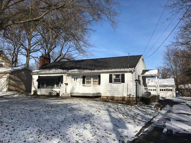 16 Lee Dr, Poland, OH 44514 (MLS #4065431) :: RE/MAX Edge Realty
