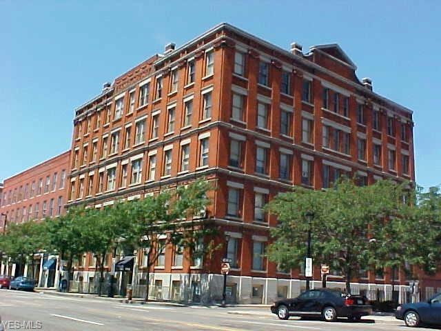 408 W St. Clair Avenue #220, Cleveland, OH 44113 (MLS #4067683) :: RE/MAX Edge Realty