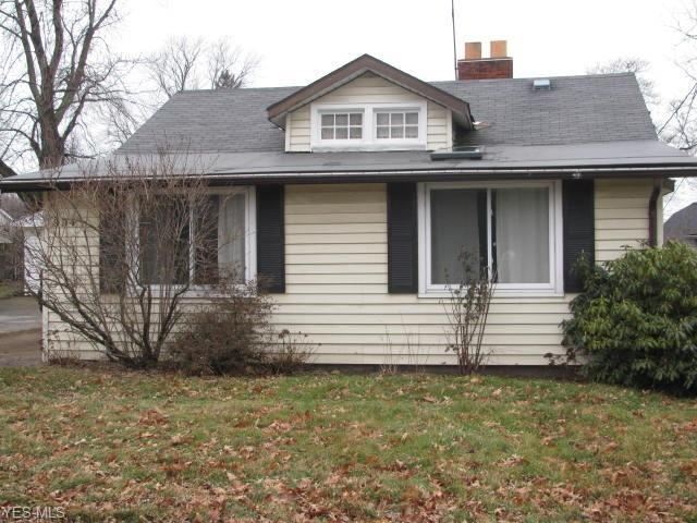 994 Elmwood Dr, Willoughby, OH 44094 (MLS #4069266) :: RE/MAX Edge Realty