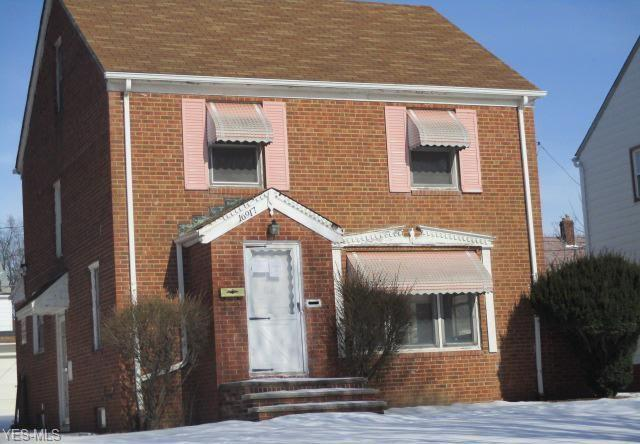 16917 Biltmore Ave, Cleveland, OH 44128 (MLS #4070125) :: RE/MAX Edge Realty