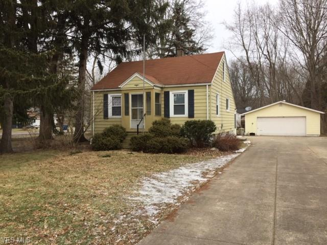 5851 Barton Rd, North Olmsted, OH 44070 (MLS #4070189) :: RE/MAX Edge Realty