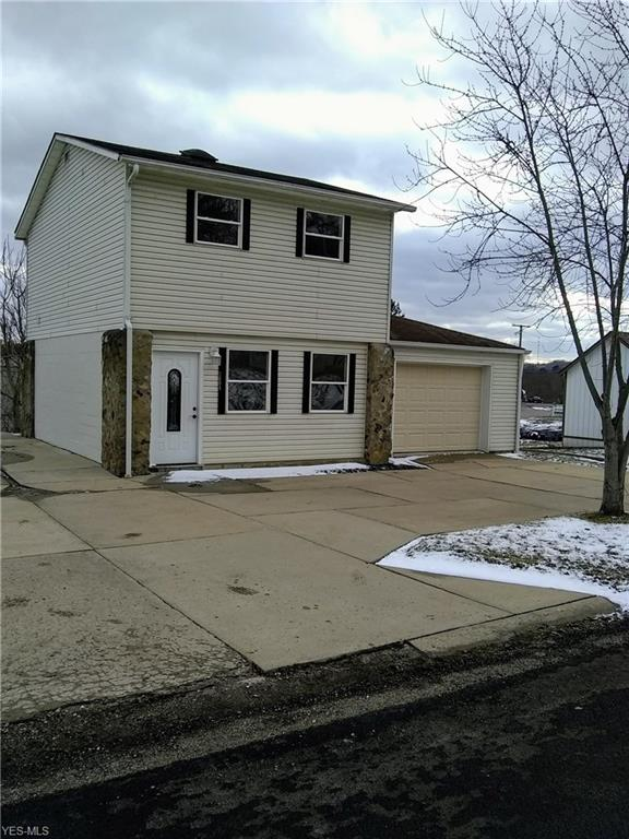2004 Greenwood Ave, Cambridge, OH 43725 (MLS #4070372) :: RE/MAX Edge Realty