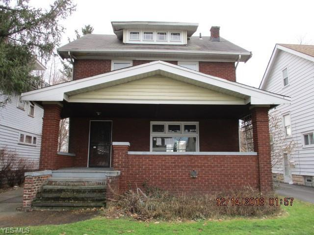 12918 Maplerow Ave, Garfield Heights, OH 44105 (MLS #4070405) :: RE/MAX Edge Realty