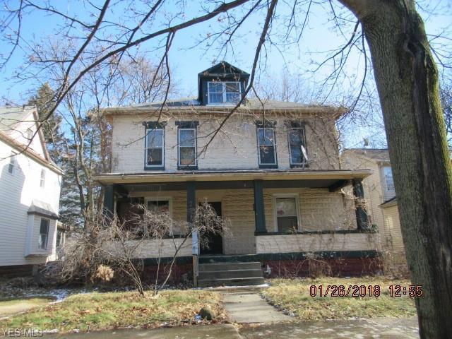 227 Rhodes Ave, Akron, OH 44302 (MLS #4070791) :: The Crockett Team, Howard Hanna