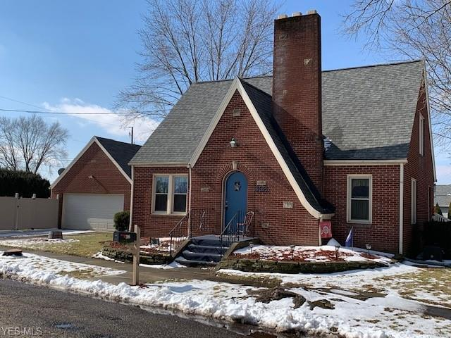 308 7th St NW, Strasburg, OH 44680 (MLS #4071614) :: RE/MAX Edge Realty