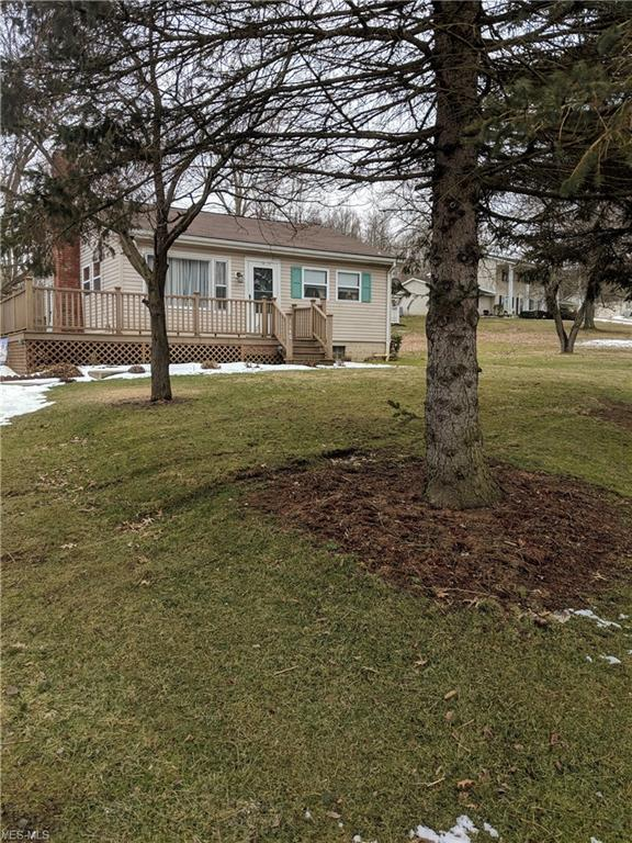 1140 N Orchard Ave NE, Bolivar, OH 43612 (MLS #4074219) :: RE/MAX Edge Realty