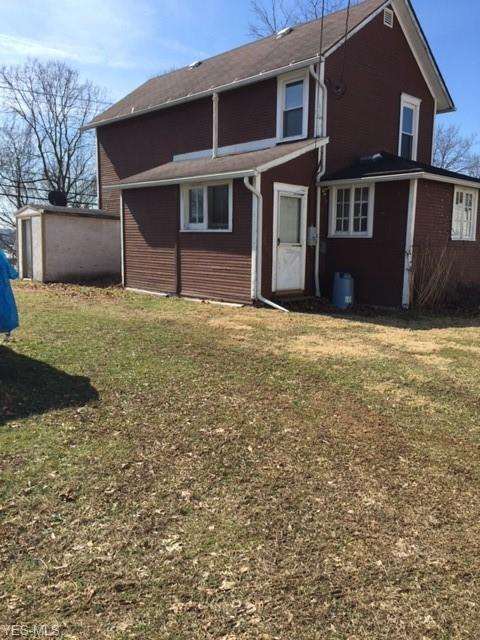 956 S Lawn Ave, Coshocton, OH 43812 (MLS #4074250) :: RE/MAX Edge Realty