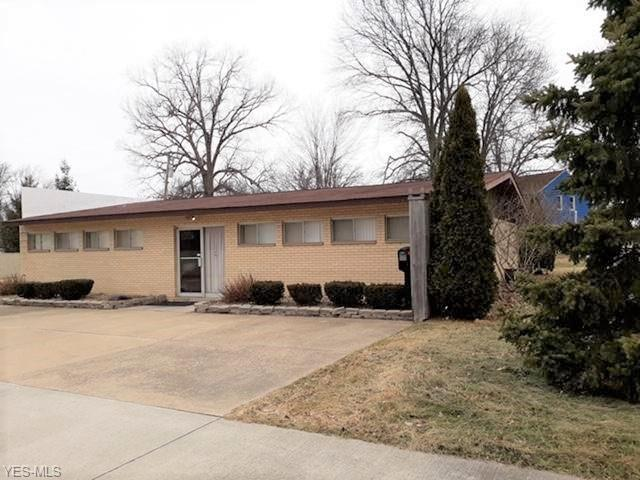 4110 Gary Ave, Lorain, OH 44055 (MLS #4077271) :: RE/MAX Edge Realty