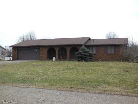 5296 Oakridge Dr, Louisville, OH 44641 (MLS #4077428) :: Tammy Grogan and Associates at Cutler Real Estate