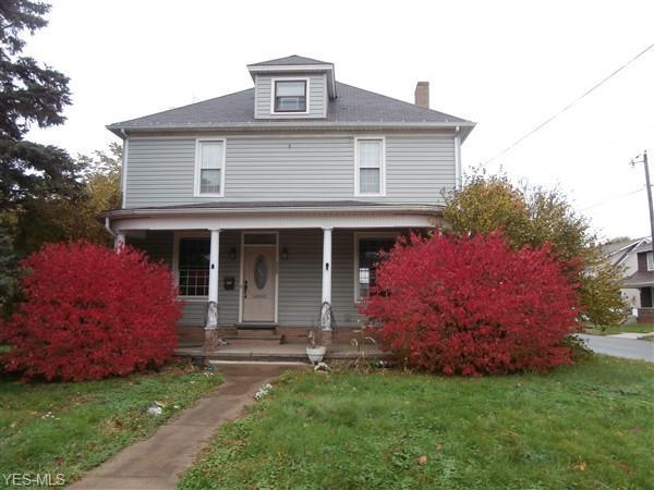 525 Washington Ave, Louisville, OH 44641 (MLS #4077928) :: Tammy Grogan and Associates at Cutler Real Estate