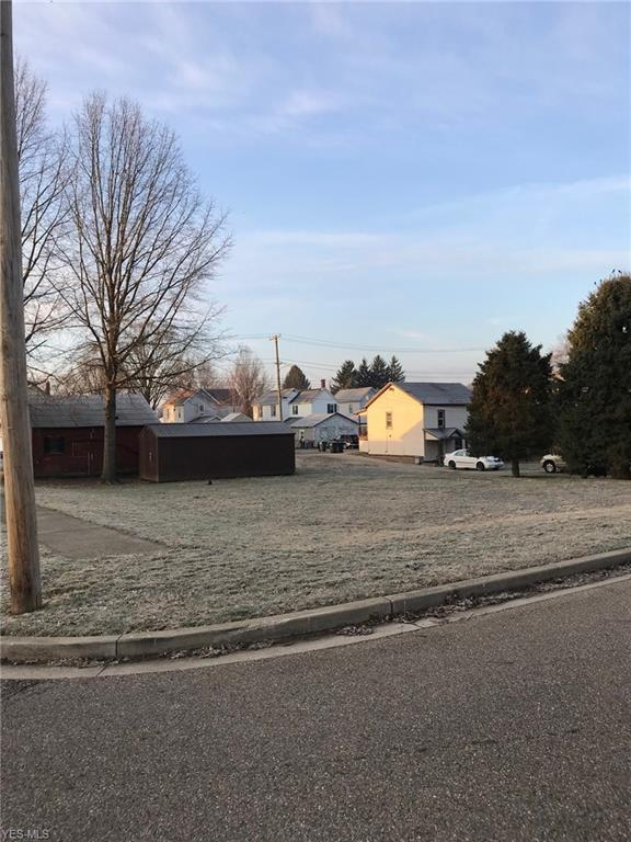 Pine St, Dover, OH 44622 (MLS #4078606) :: RE/MAX Edge Realty