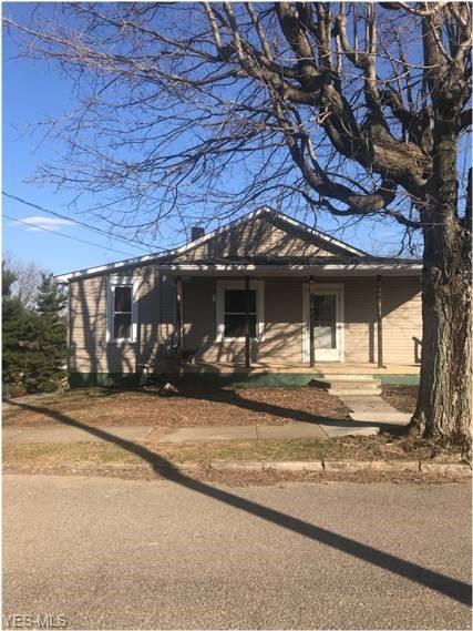 115 Washington St, Barnesville, OH 43713 (MLS #4079182) :: RE/MAX Edge Realty