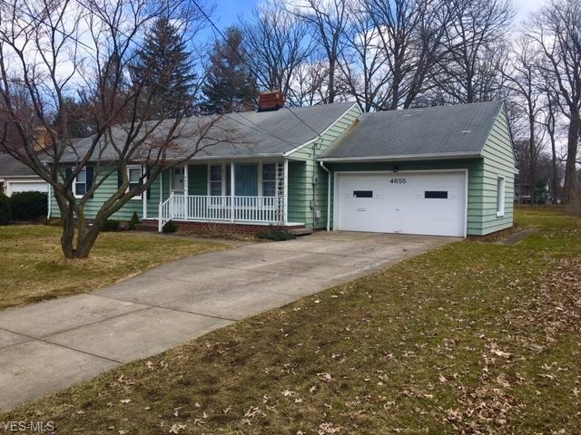 4655 W 210th St, Fairview Park, OH 44126 (MLS #4079254) :: Ciano-Hendricks Realty Group