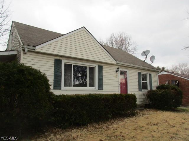 210 W State St, Barberton, OH 44203 (MLS #4079378) :: RE/MAX Edge Realty