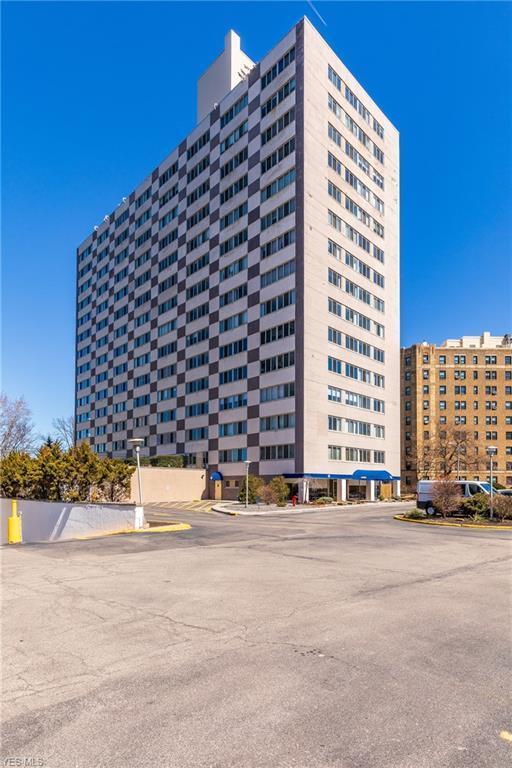 12520 Edgewater Drive #1406, Lakewood, OH 44107 (MLS #4081014) :: RE/MAX Edge Realty
