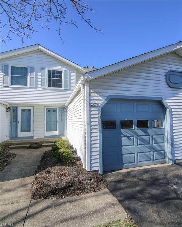 9596 E Idlewood Dr, Twinsburg, OH 44087 (MLS #4081673) :: Ciano-Hendricks Realty Group