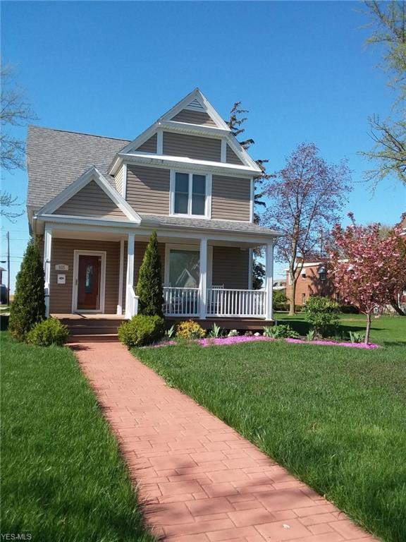 605 E 2nd St, Port Clinton, OH 43452 (MLS #4086004) :: Ciano-Hendricks Realty Group
